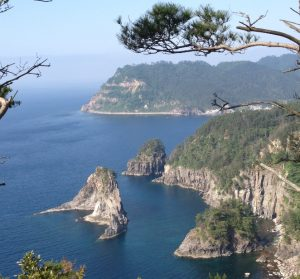 view-near-the-candle-rock-oki-islands-dogo-matsue-travel-guide-japan[1]